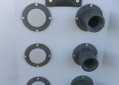 Bezpieczne złacze elektryczne i króćce podłaczeniowe urządzeń opcjonalnych