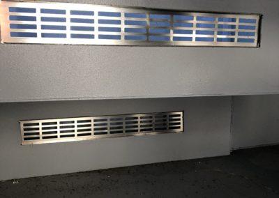 Otwory wentylacyjne maszynowni - widok od środka